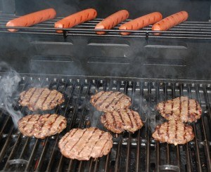 Independent Burgers & Hot Dogs Grilling